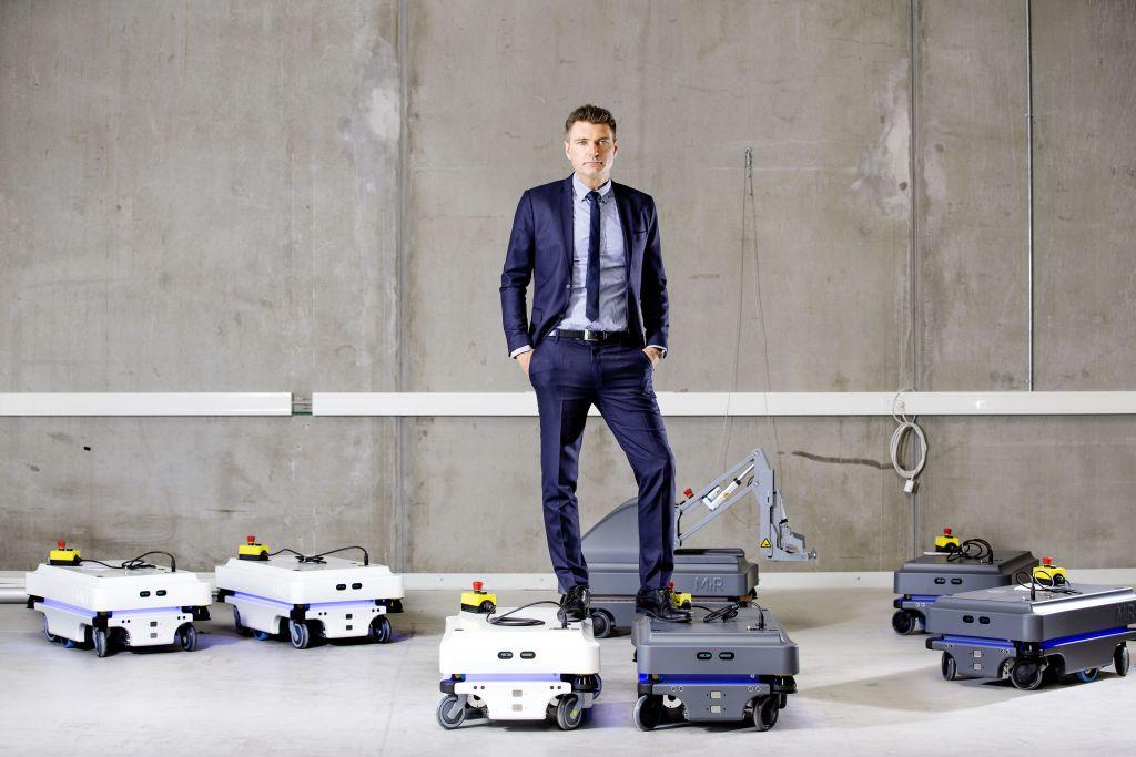 "Mobile Industrial Robots (MiR) uruchamia MiR Finance – program leasingowy ""Robot as a Service"" (RaaS)"