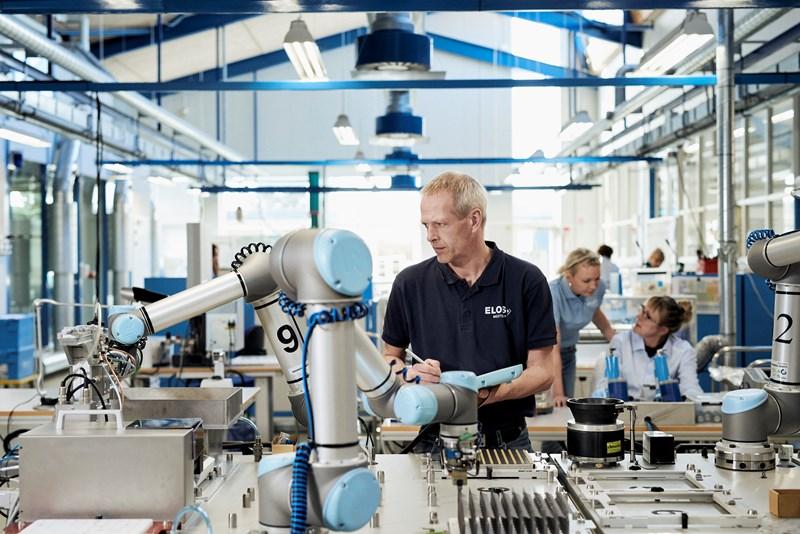 Universal Robots uruchamia program leasingowy we współpracy z DLL