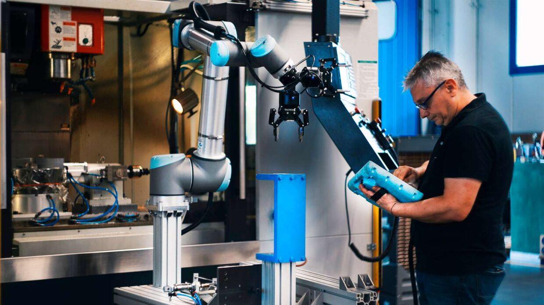 """Przedsiębiorcy planują inwestować w robotyzację – wynika z badania """"Barometr robotyzacji małych i średnich przedsiębiorstw"""